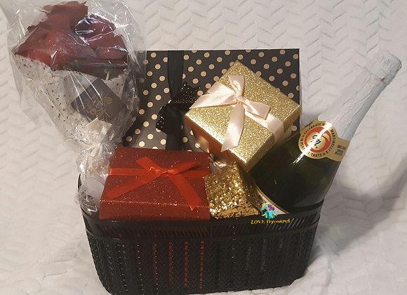 Pink Diamond Basket: 15 signature gifts lm