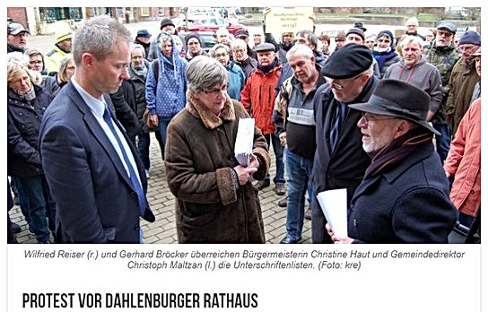 Protest Rathaus Bild.jpg