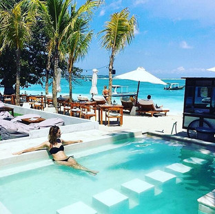 Relaxing in PARADISE 🤩🤩_⠀⠀⠀⠀⠀⠀⠀⠀⠀__emn
