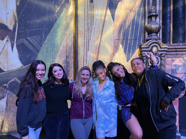 Chloe x Halle and the band