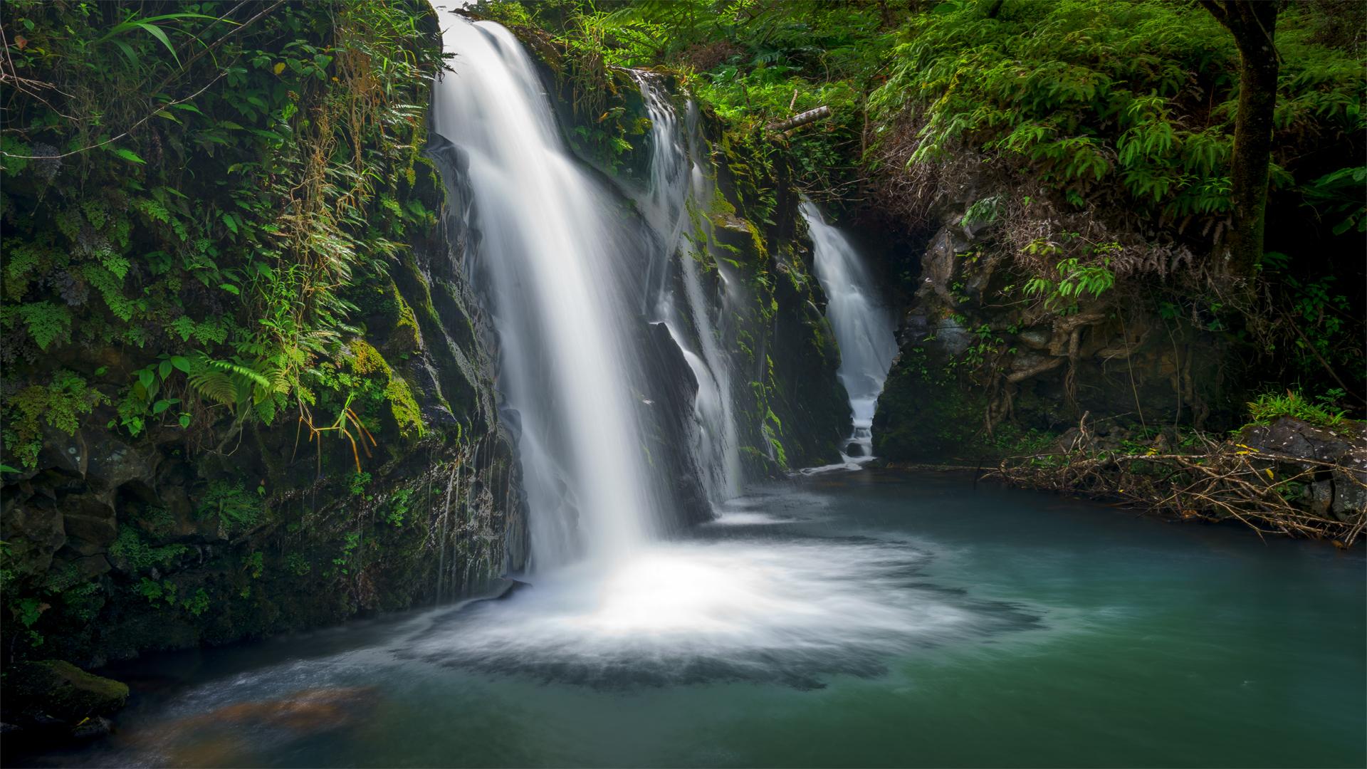 Waikani Falls3