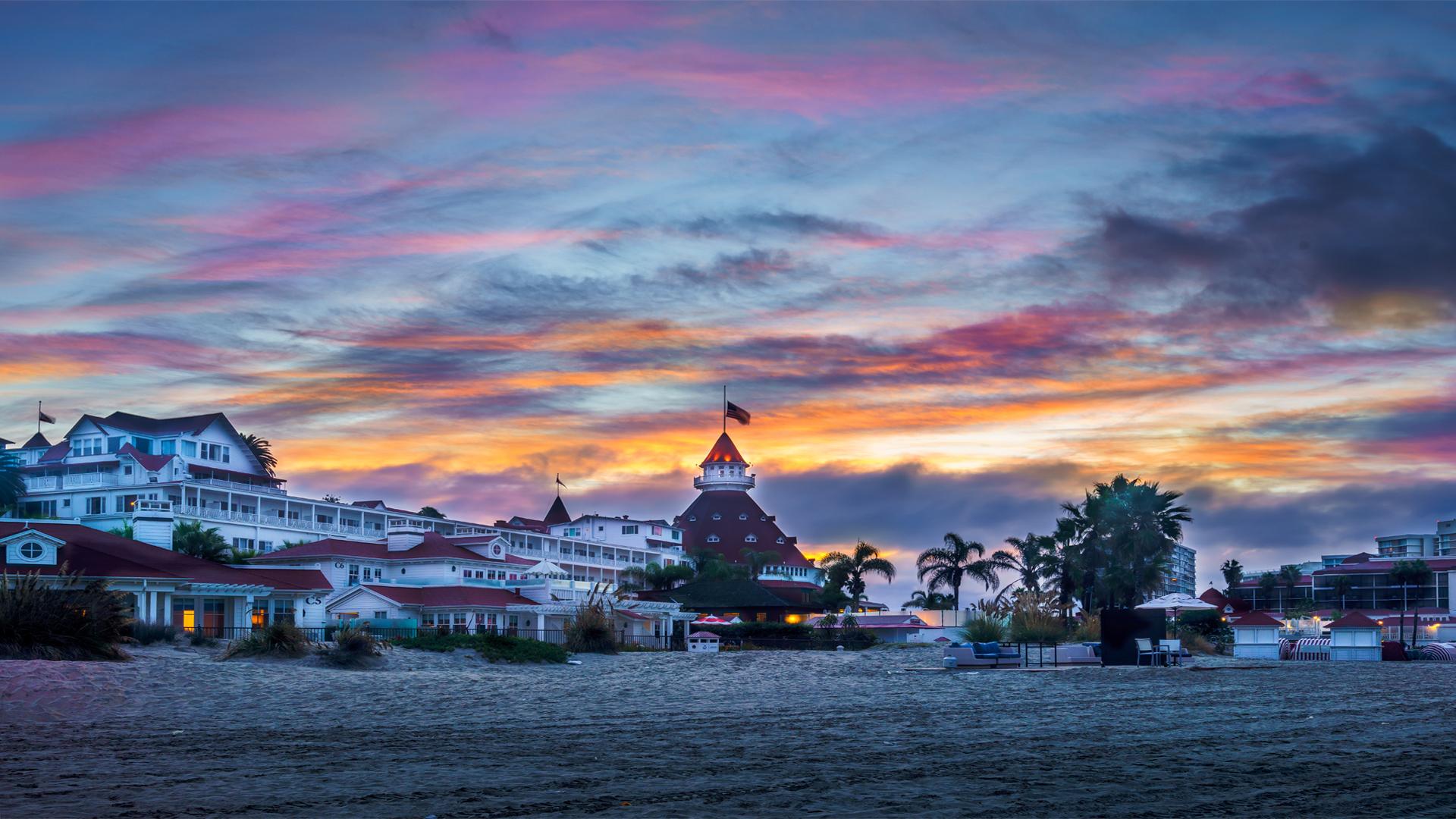 Sunrise Hotel Del4 2016