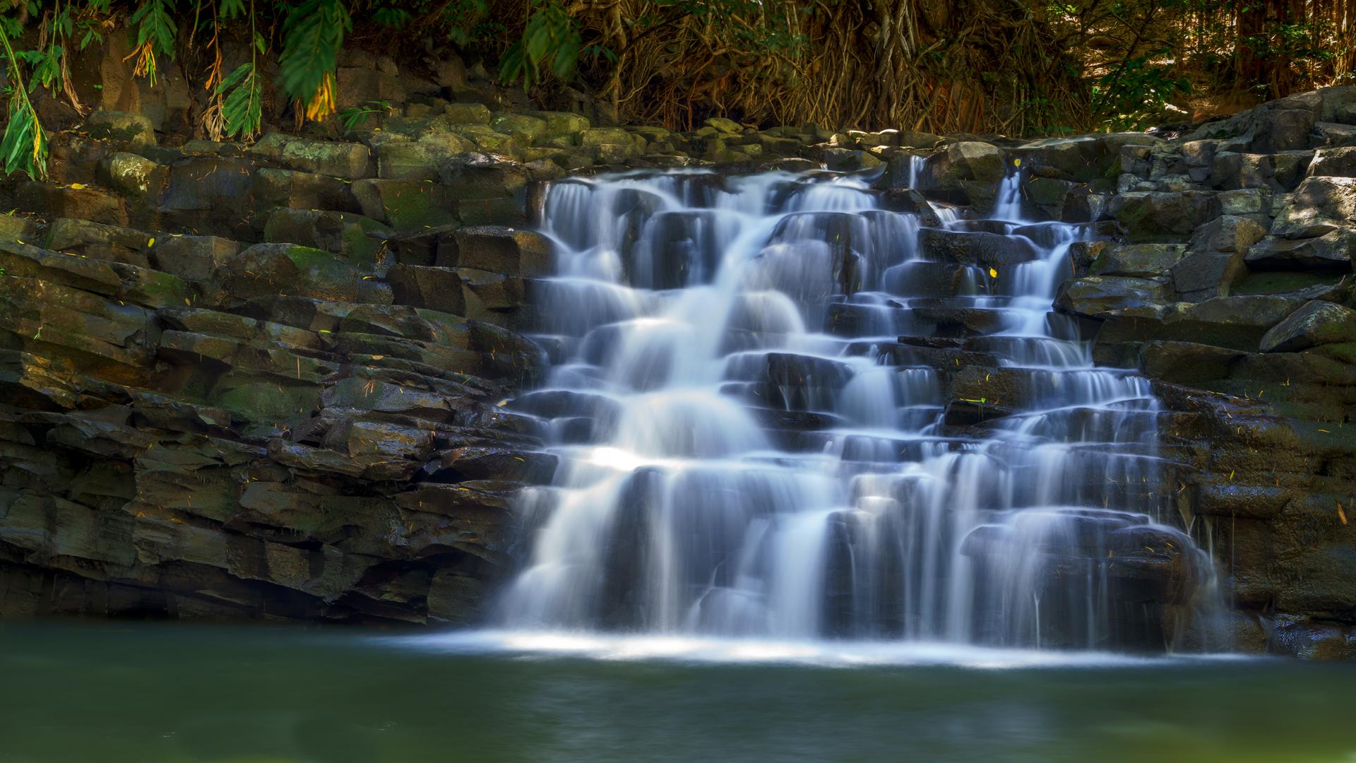 Puohokamoa Falls1