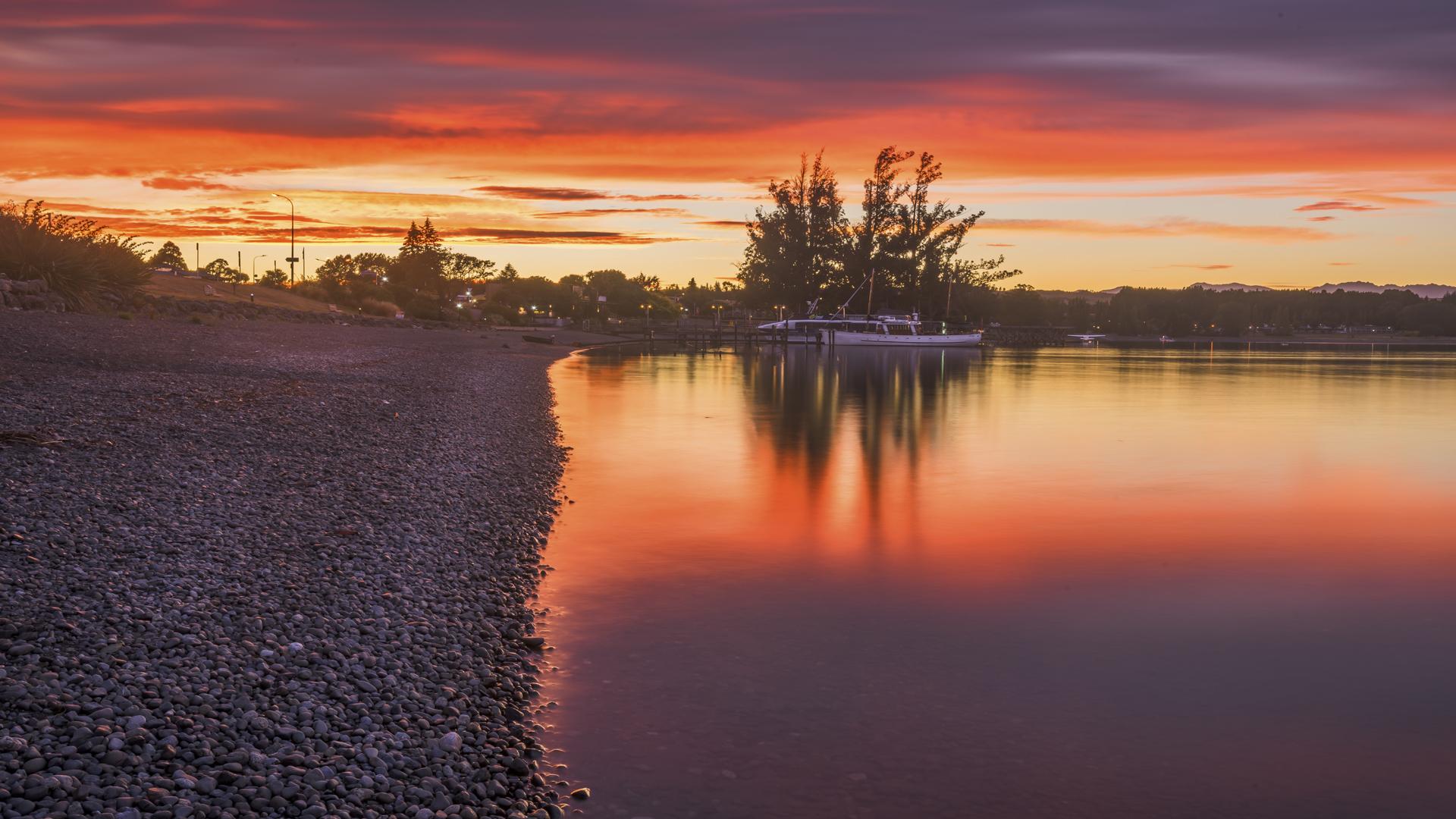 Lake TeAnau Sunrise2