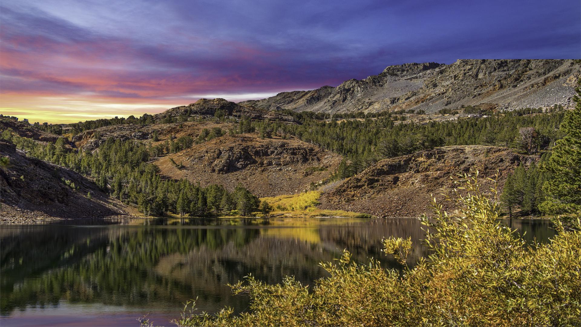 Virginia Lake Fall Color1