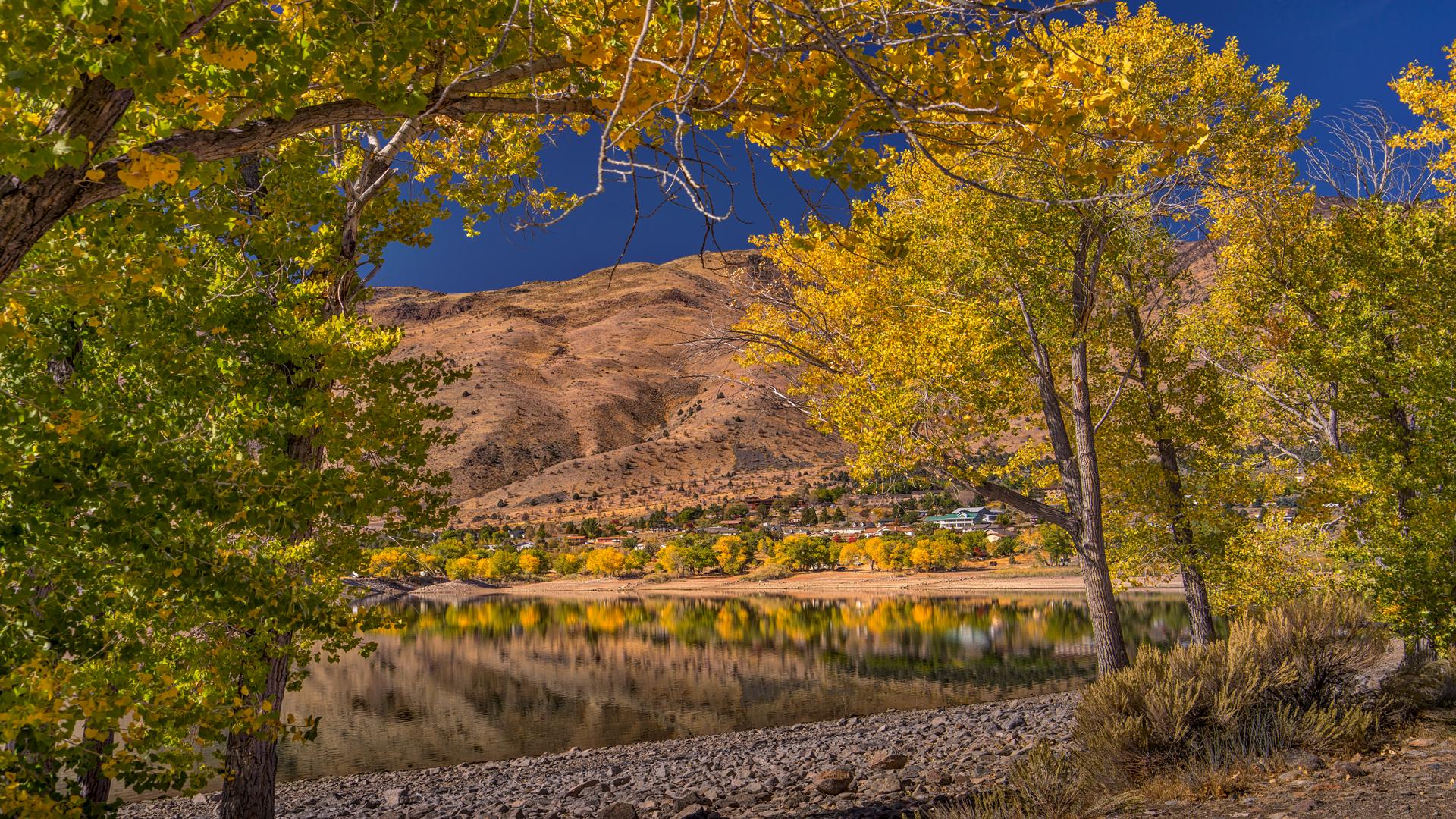 Topaz Lake Fall Color2