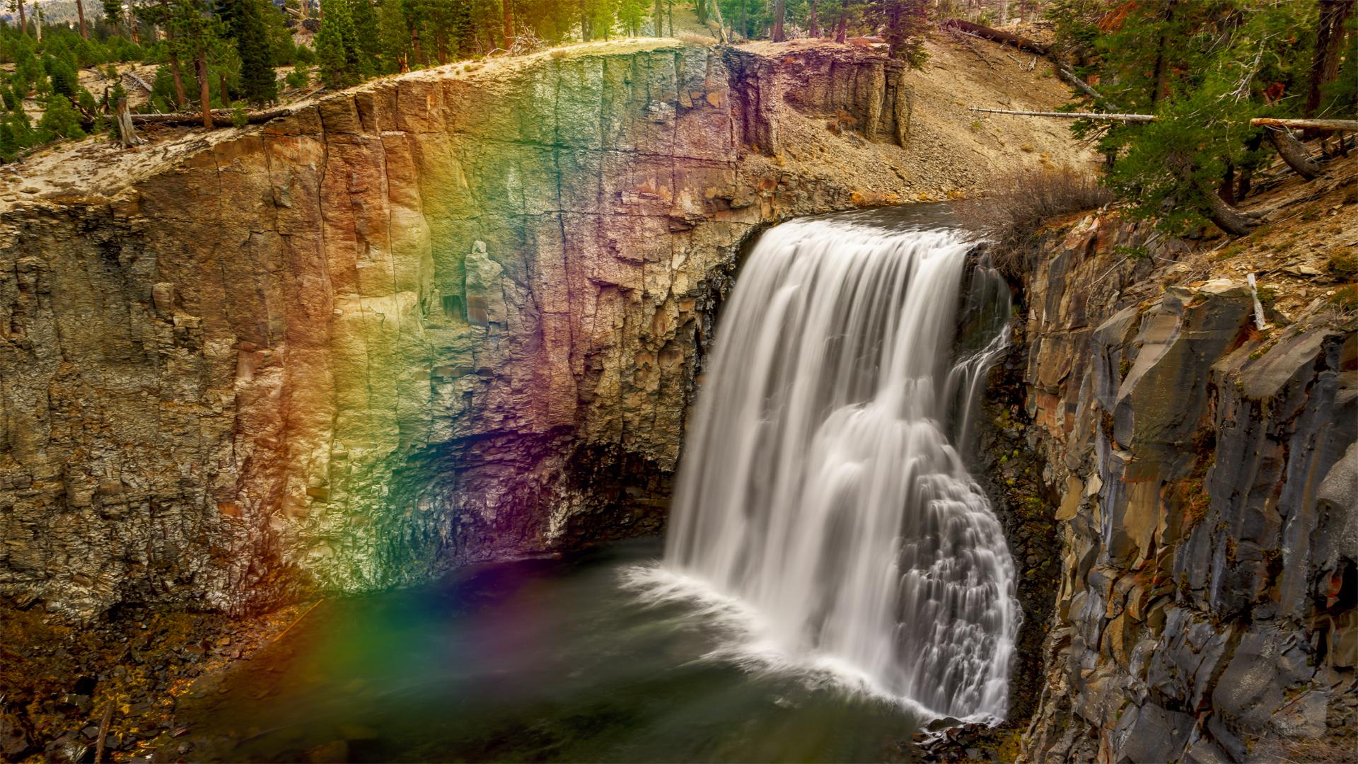 Rainbow Falls Rainbow1