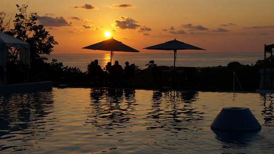 Cristal-Ballena Sunset