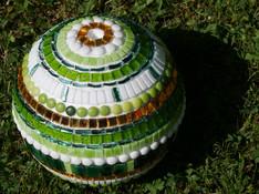 Helga K. Mosaikbrunnenkugel noch unverfugt