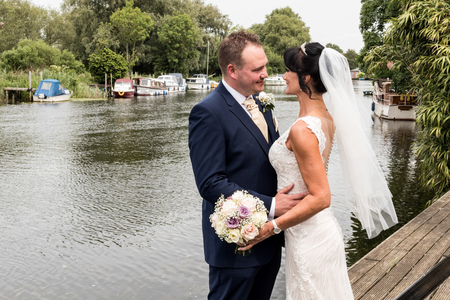 Down by the river at the Waveney House Hotel for Steph & Si's wedding.