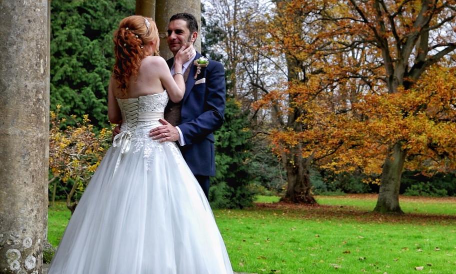 Brilliant Autumn colour at Sam & Russell's wedding.