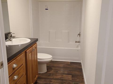Eagle 28523P - Guest Bath 2