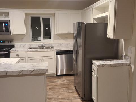 Eagle 28483S - Kitchen (1).jpg