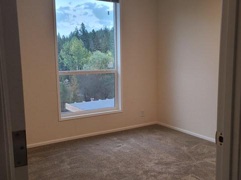 Wingate 28603G - Bedroom 2.jpg