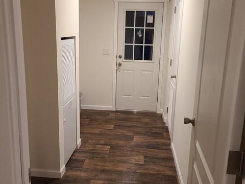 Eagle 28523P - Utility Room