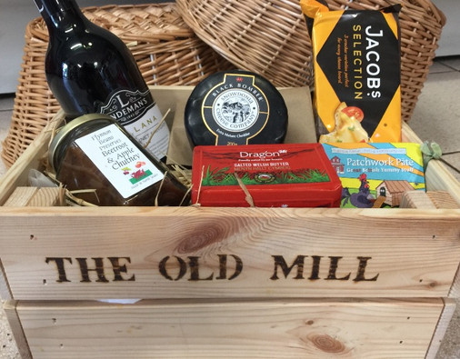 Savoury Hamper - The Old Mill Holiday Cottages CH75RH