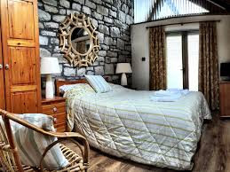 The Long Barn Double bedroom.jpg