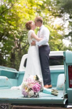 Wedding-turquoise-truck-AllisonClarkPhotography -2-2.jpg