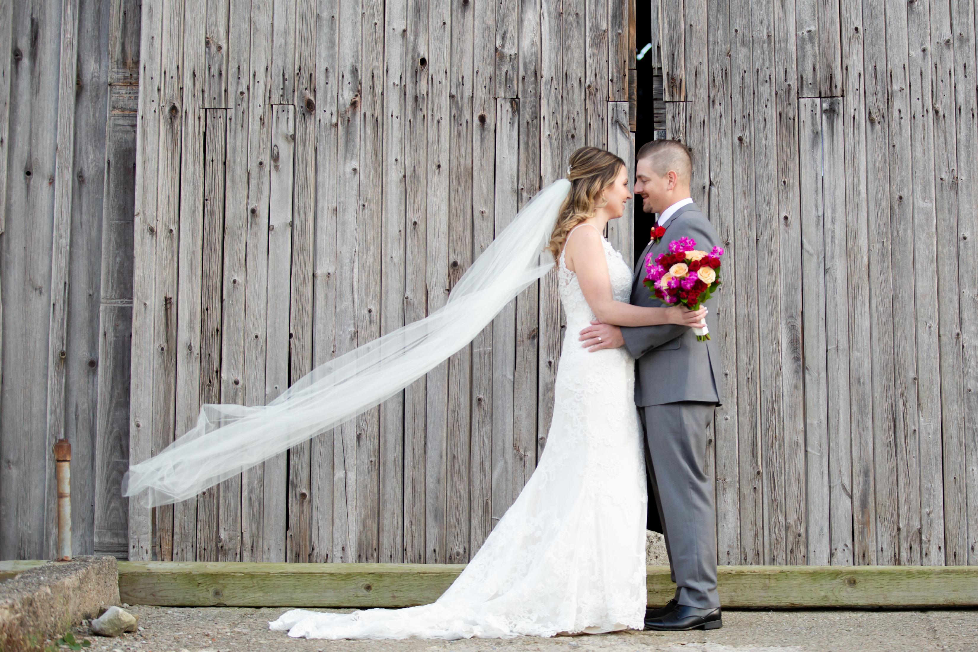 Mr+MrsKulchyk_Bride+Groom_AllisonClarkPh