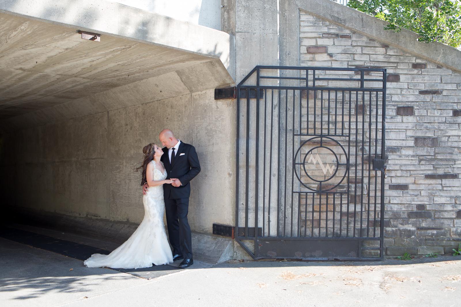 Mark+Avin-BrideGroom-Allison Clark Photo