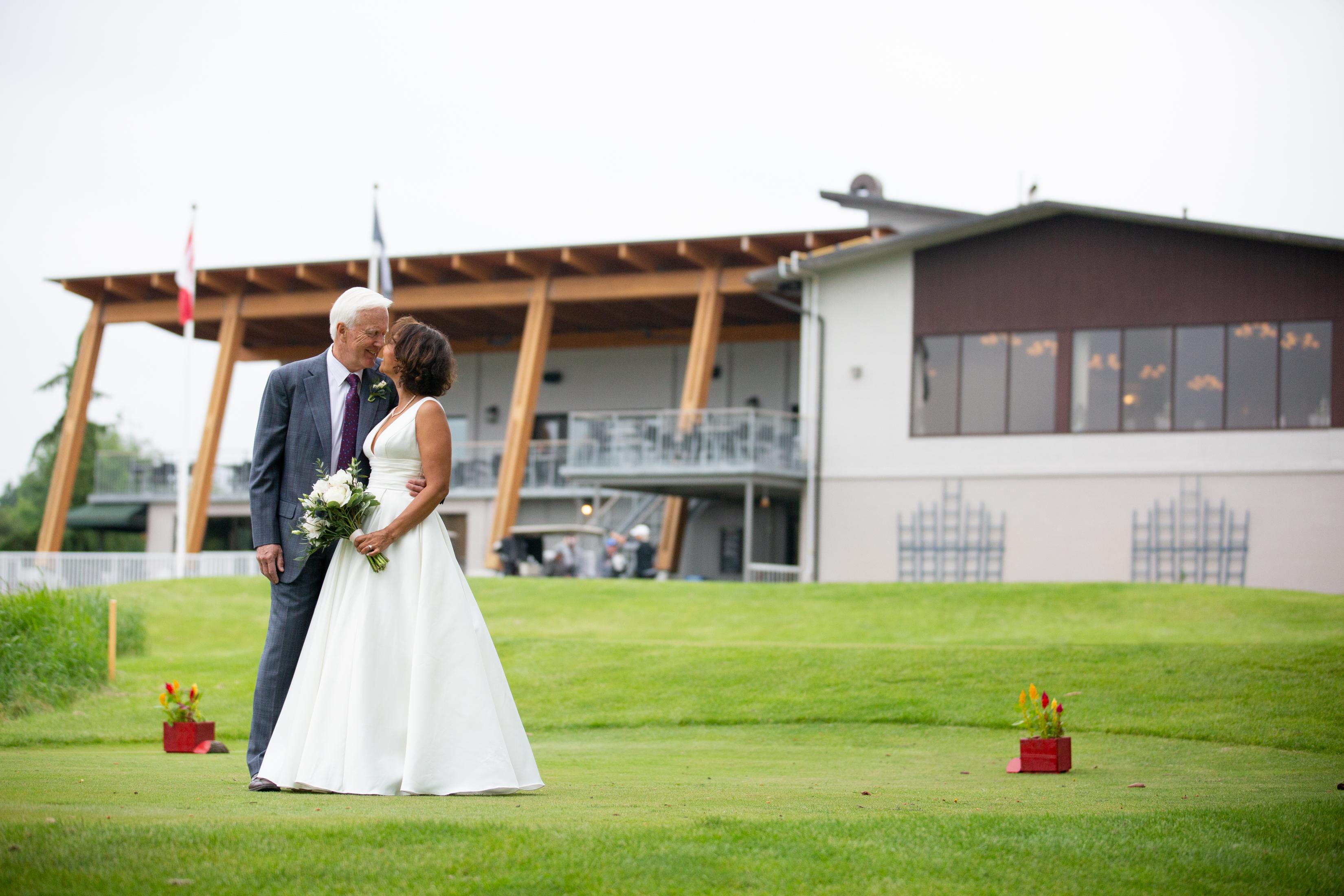Mr+MrsKing_Bride+Groom_Allison Clark Pho