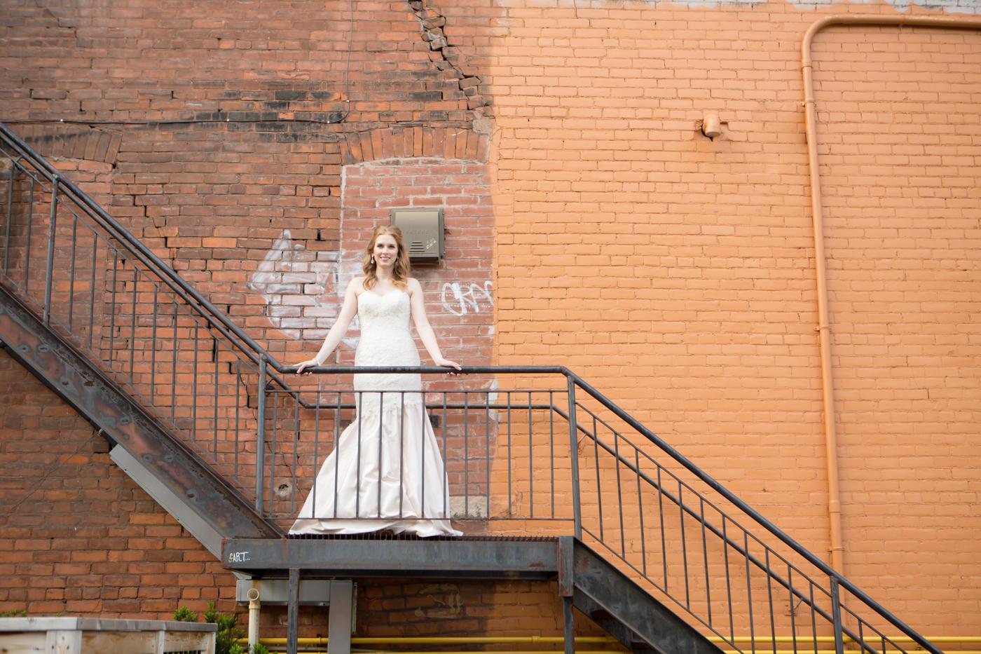 MrMrsKragten_Bride+Groom_Allison Clark Photography-186