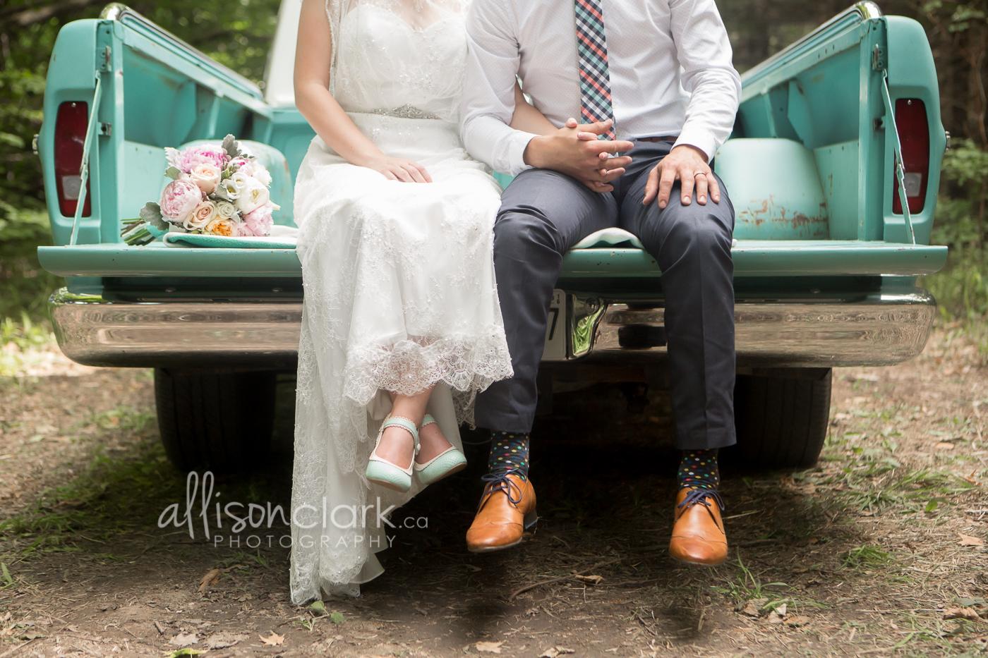 Wedding-turquoise-truck-AllisonClarkPhotography -1-6.jpg