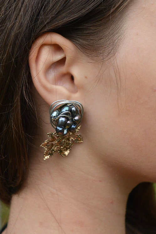 Precious vineyard earrings