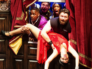 A MURDER MYSTERY BECOMES 'THE PLAY THAT GOES WRONG'