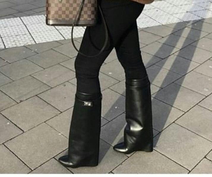 Sur Commande bottes Givenchy en cuir