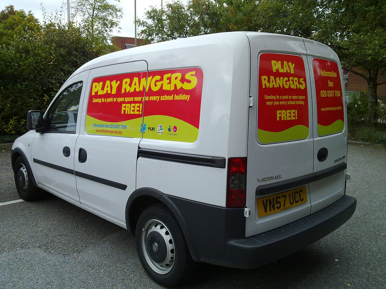 Magnetic graphics to a van