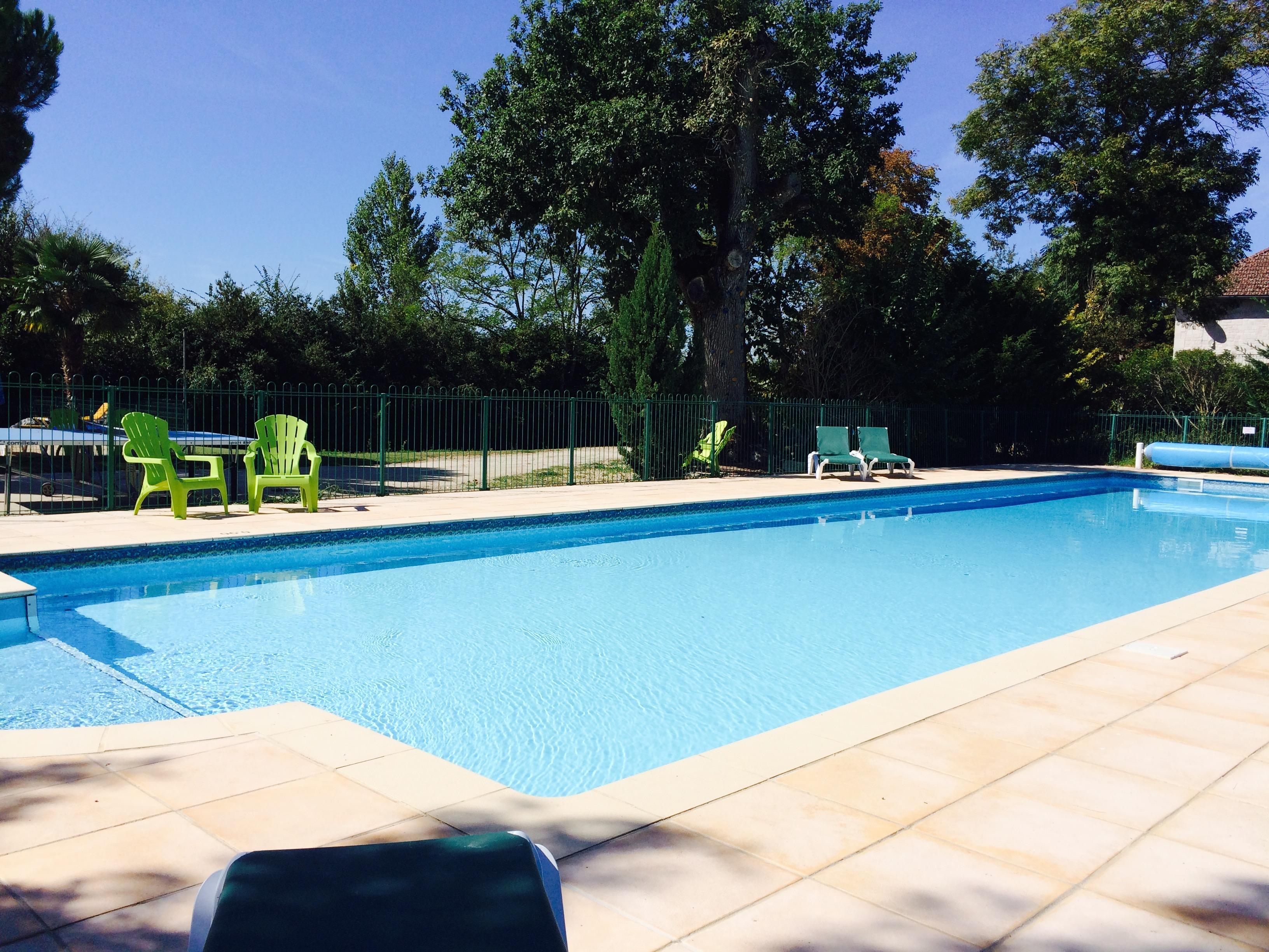 20m pool