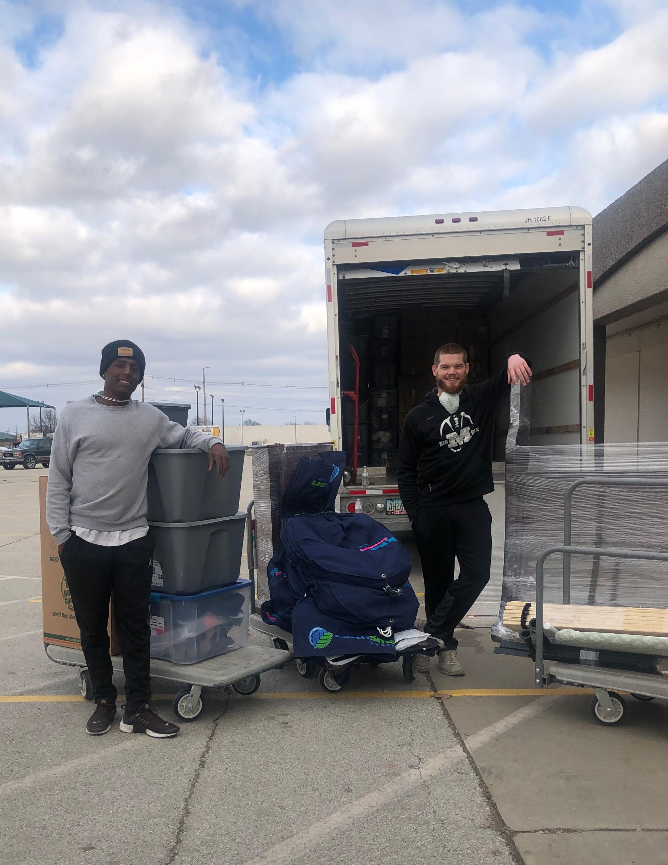 Load / Unload, 2 Moving Assistants