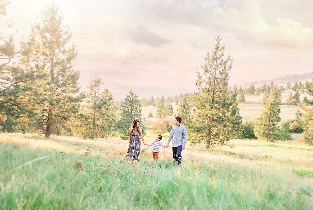 Montana Wedding Photographer | Engagement Photographer | Infinite Photography Missoula | Sayidah Dupuis Felsman | Missoula Wedding Photographer | Missoula Family Photographers | Family | Rattlesnake Missoula | Lincoln Hills
