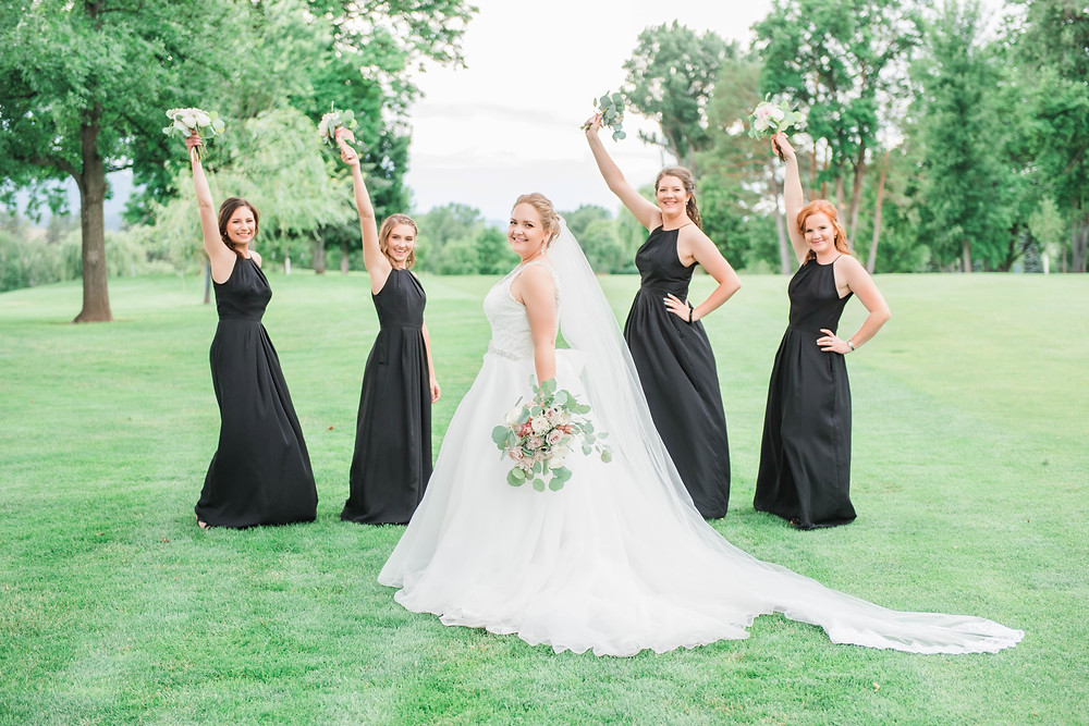 Bridesmaids | Montana Wedding Photographer | Infinite Photography Missoula | Jacobsen Wedding | Missoula Country Club