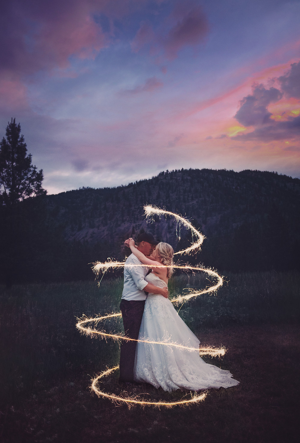 Montana Wedding Photographer | Infinite Photography Missoula | Missoula Wedding Photographer | Montana Wedding Photographers | White Raven Venue Montana | Weddings