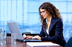 woman at laptop glasses_iStock_000006491