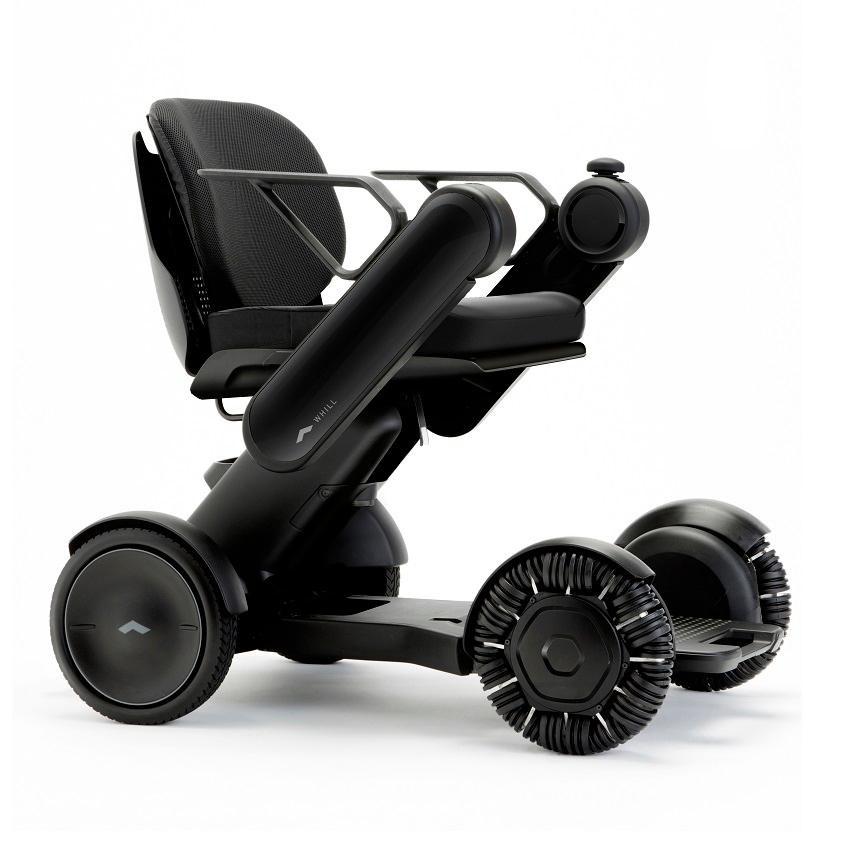 日本電動輪椅代步車WHILL不僅外型時尚,科技感十足;更運用了先進技術及創新設計,能突破地形所限,為有需要人士創造全新的自主出行體驗。