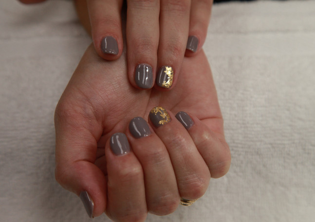 gold flake nail design