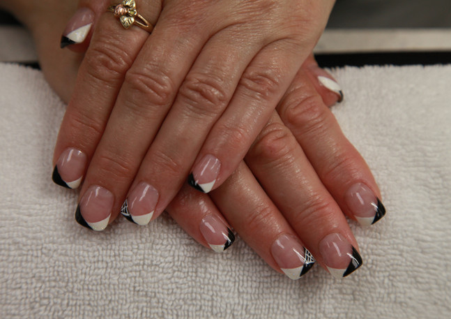 french manicure modern