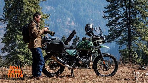 1600x900_Himalayan Black pannier 1990230