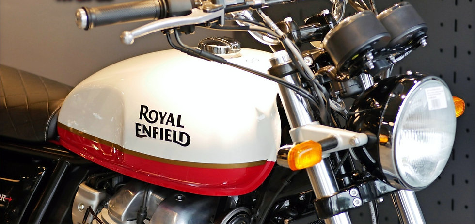Royal Enfield Interceptor Baker Express à Toulon_edited.jpg