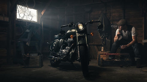 royal-enfield-garage-bike.jpg