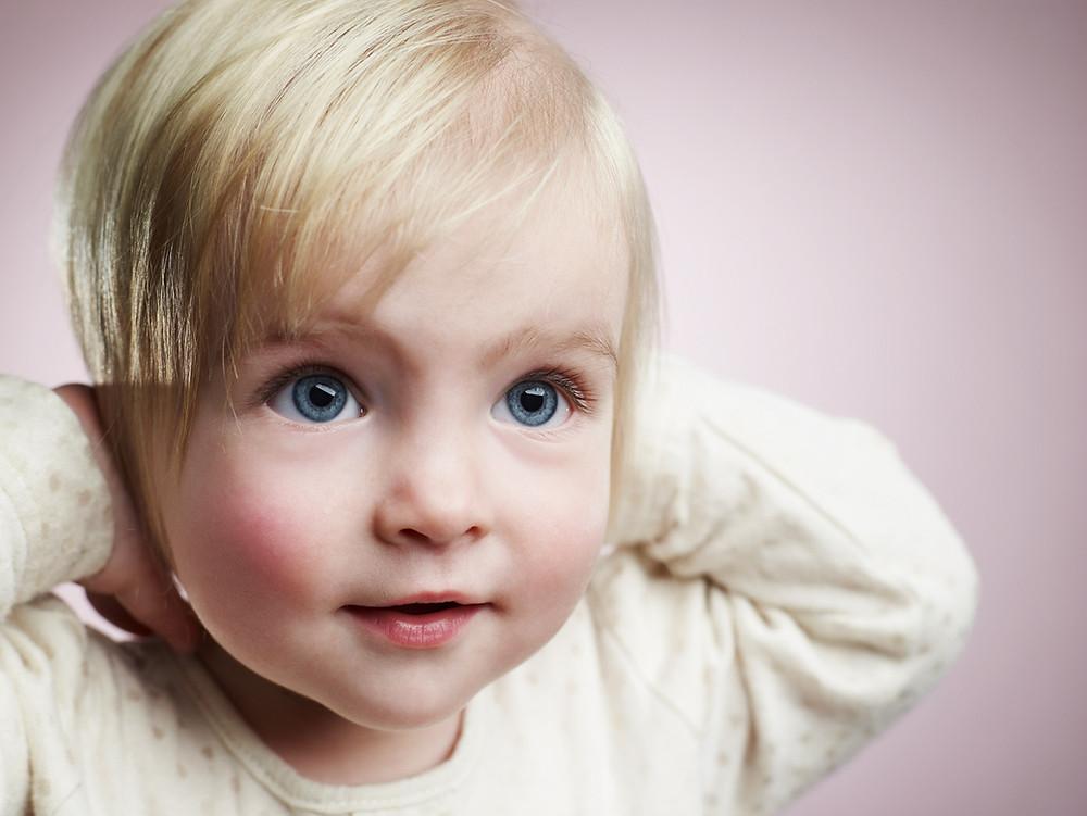 Yeux bleus à la naissance...