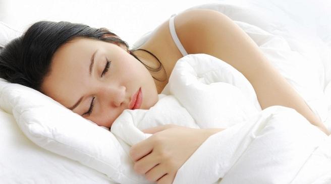 Duerme entre 7 y 8 horas diario