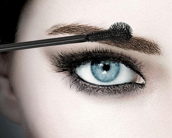 12. Usar cosméticos incorrectamente