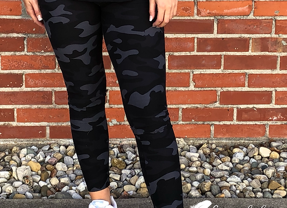 Bomb dark camo leggings