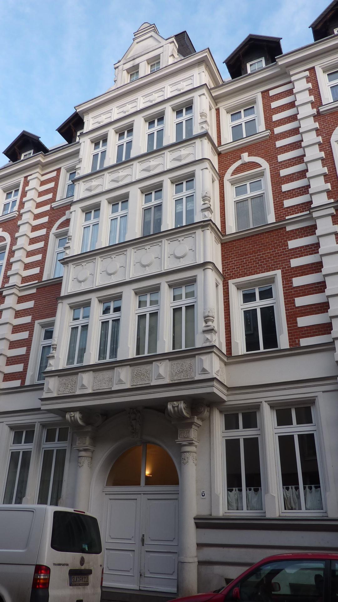 Fassade.hoch (2)