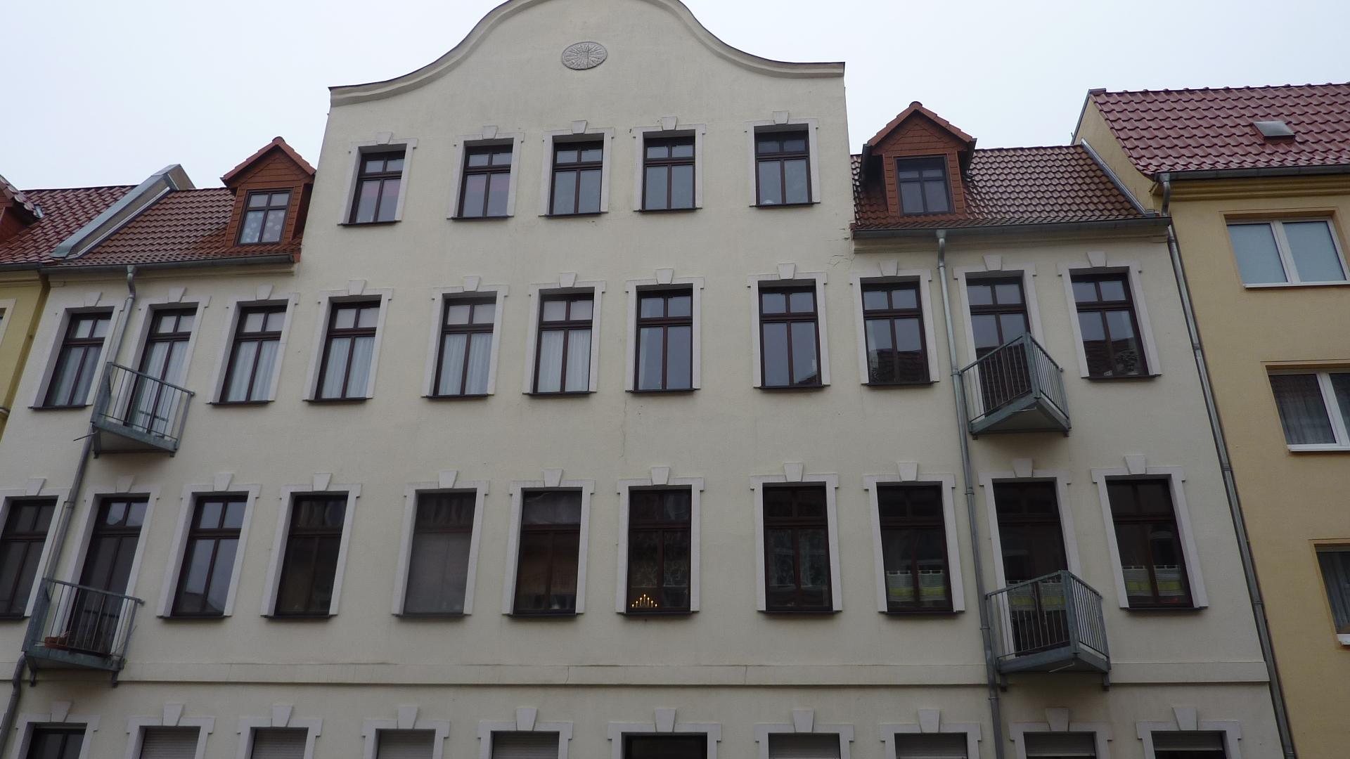 Fassade.breit