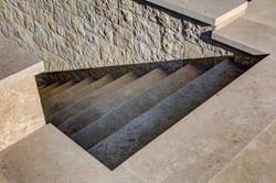 Escalier intérieur en pierre